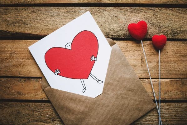 Easy DIY Valentine's Day Cards for Kids that you can make at home. Free printables included just for you! #valentinesday #valentinescards #classroomvalentines #simplemoneymom